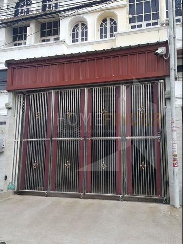 Townhouse Charunsanitwong 34