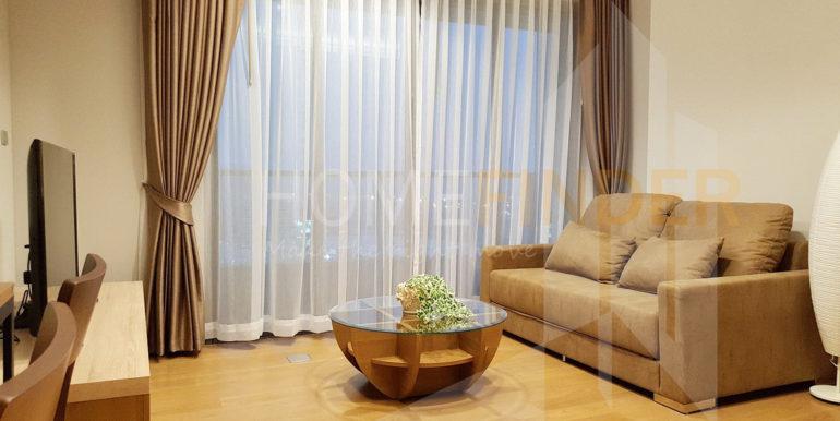 5.LIVING ROOM