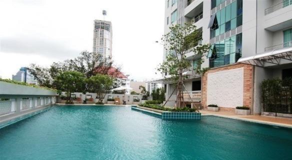 queen-s-park-view-condo-bangkok-5a4eea59a12eda1fbf007b16_full